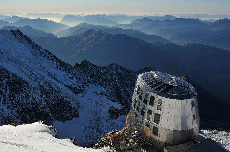 Le refuge du Goûter : une escale pour les alpinistes sur leur itinéraire vers le Mont-Blanc