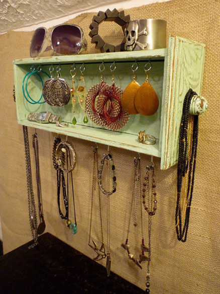 Tiroir transformé en boîte à bijoux